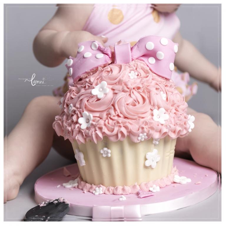 cake smash photography stockport 3