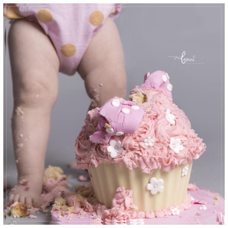 cake smash photography stockport 1